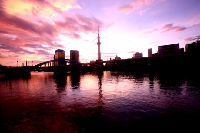 隅田川の朝焼け