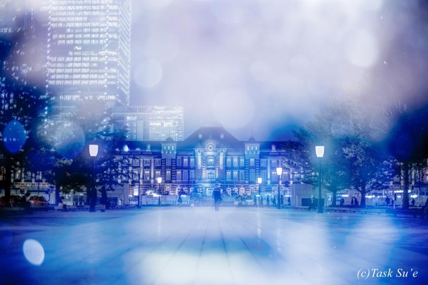 東京駅丸の内の雪